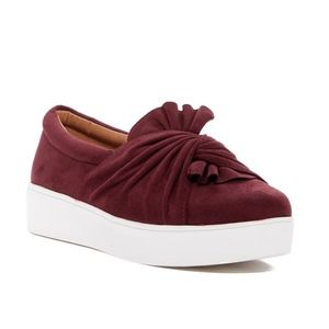 Catherine Malandrino Faux red suede bow Sneaker 8